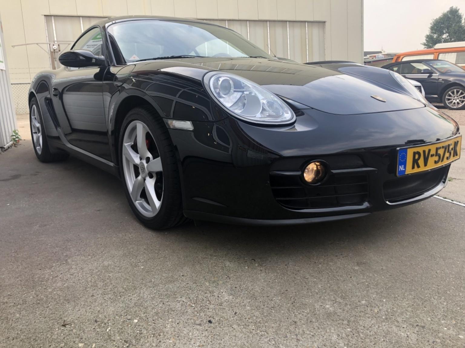 Porsche-Cayman-5